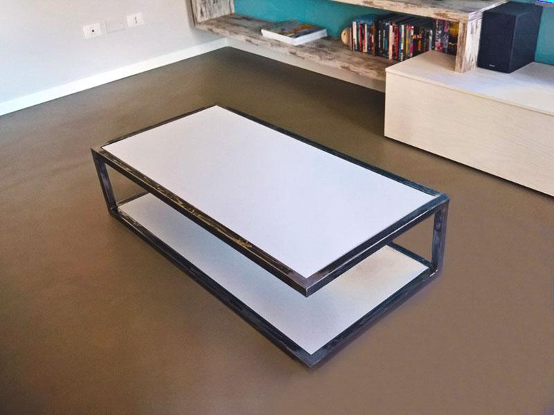 Tavolino in ferro da interno